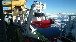 To store ulykker til sjøs har bidratt til utviklingen: Skal gjøre det tryggere å sette ut og hente opp småbåter fra skip