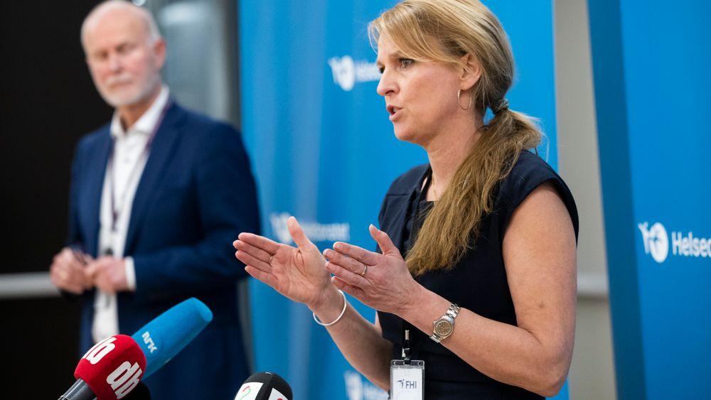 Direktør i Helsedirektoratet Bjørn Guldvog og avdelingsdirektør i Folkehelseinstituttet Line Vold trenger langt større analyseressurser for å holde tritt med koronaviruset.