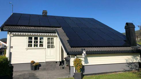 Sjekk behandlingstiden hos ditt nettselskap: Å få solceller på taket kan ta én dag – eller flere måneder