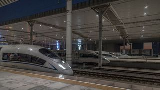 Ute av drift i 16 timer: Det ble fult kaos på togene i Kina da Adobe kuttet støtten for flash