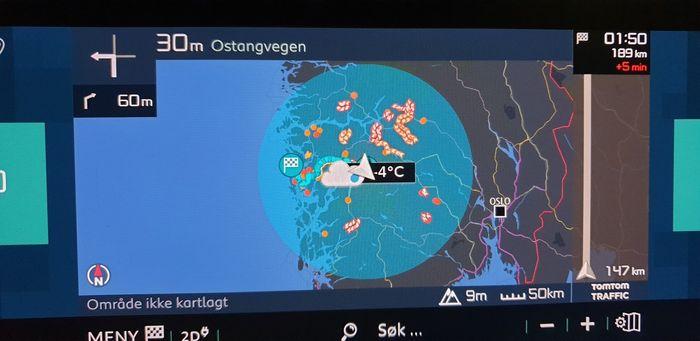 Etter lading i Eidfjord burde vi kunne kjøre langt til havs. I praksis måtte vi lade en gang til for å komme frem dit vi skulle.