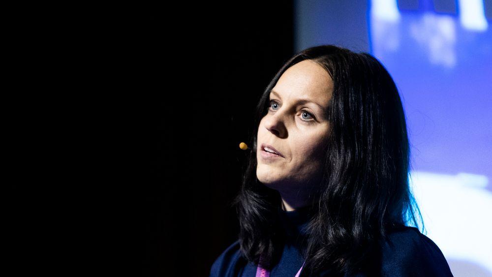 Aase Horrigmo, statssekretær i Kunnskapsdepartementet, sier Norge vil delta i det niende rammeprogrammet, men at det først må vedtas i EU og deretter av Stortinget. I mellomtiden er minst en norsk søknad lagt på vent.