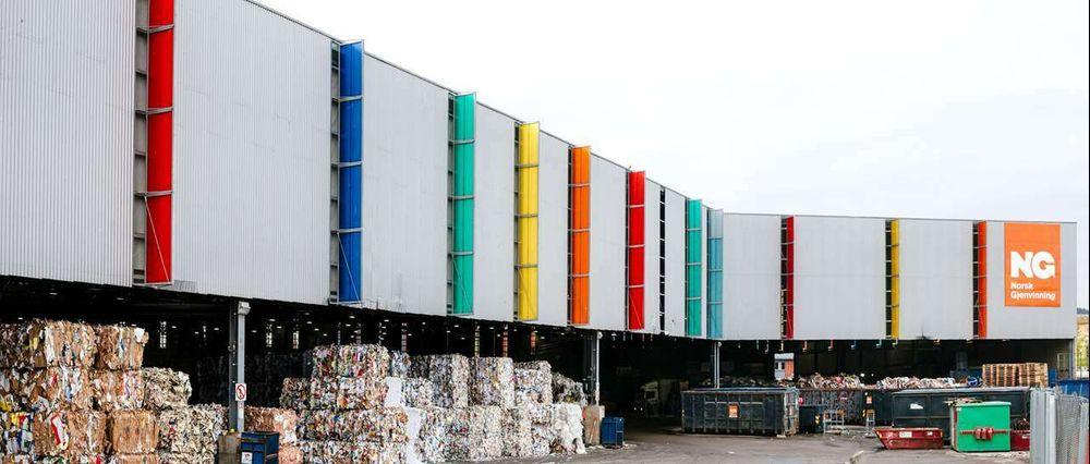 Norsk Gjenvinning i Oslo sorterer papp og papir fra hele Østlandet ved hjelp av ny og smart teknologi.