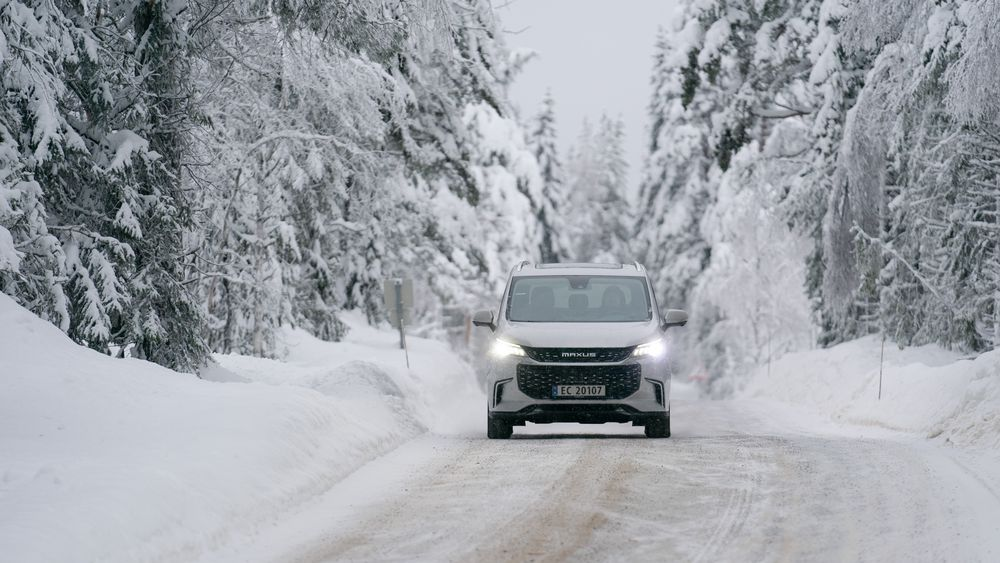 Vi slet med å hurtiglade Maxus Euniq da vi vintertestet den. Nå kommer en oppdatering som skal løse hurtigladeproblemene.