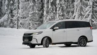 Tre folkefraktere, Mercedes EQV, Peugeot e-Traveller, Maxus Euniq