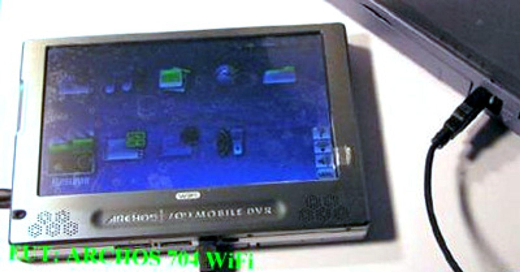 Archos 704-WiFi har en stor, trykkfølsom skjerm