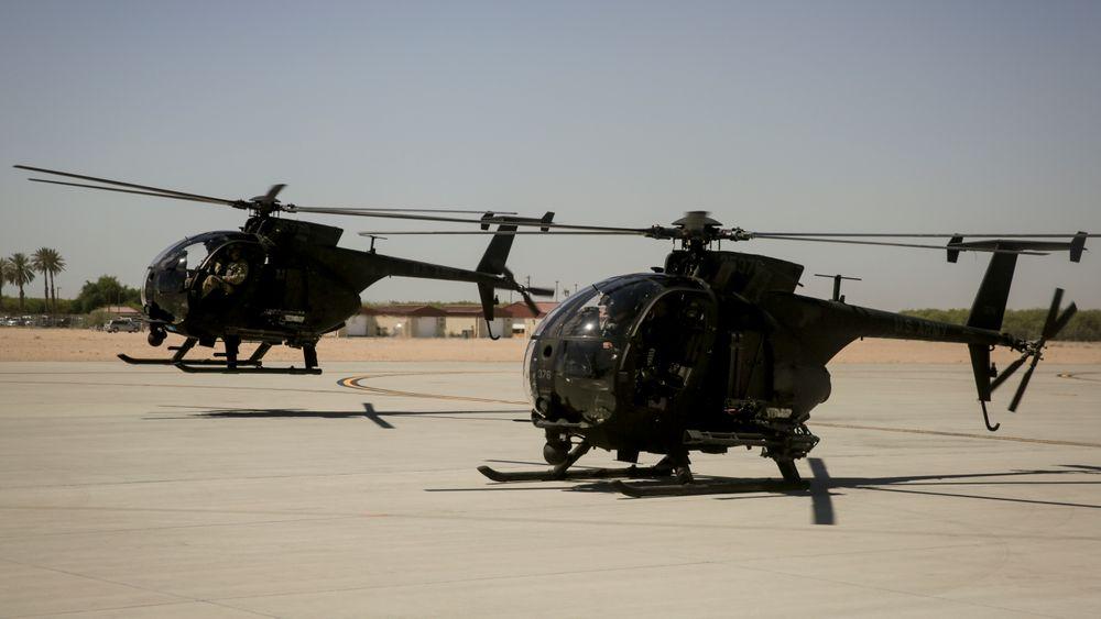 To A/MH-6X Mission Enhanced Little Bird med GAU-19 12,7 mm på Marine Corps-basen Yuma i Arizona. På slike lette helikoptre kan bruk av lettvektsammunisjon eksempelvis bidra til at de kan frakte mer drivstoff og øke utholdenheten i lufta.