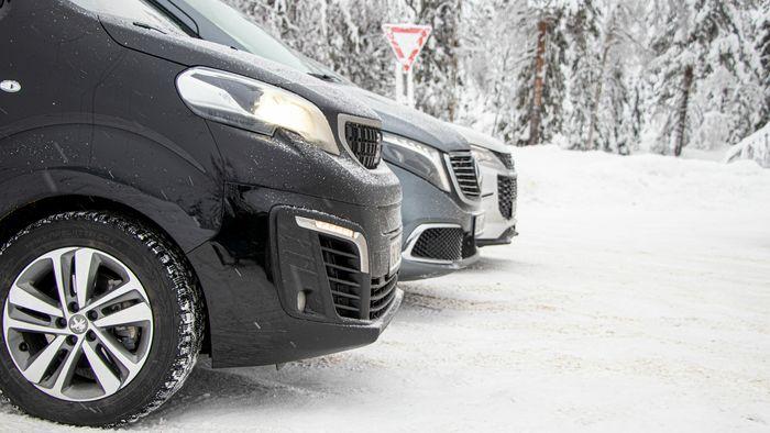 Peugeot e-Traveller fremstår som en svært praktisk bil, men vinterforbruket er i høyeste laget med minste batteripakke.