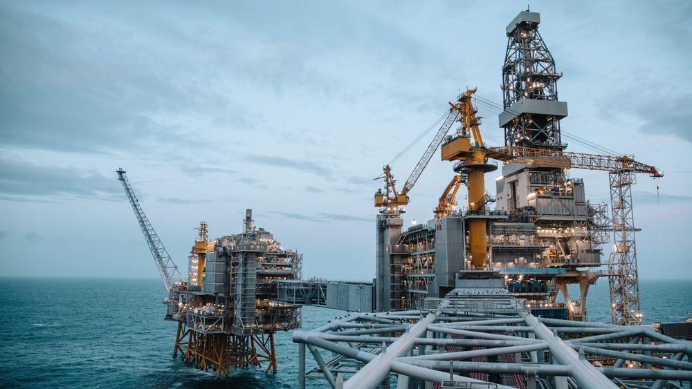 Produksjonen på Johan Sverdrup-feltet i Nordsjøen (bildet) kan bli skadelidende hvis det blir streik fra midnatt i meklingen mellom fagforeningen SAFE og Norsk olje- og gass.