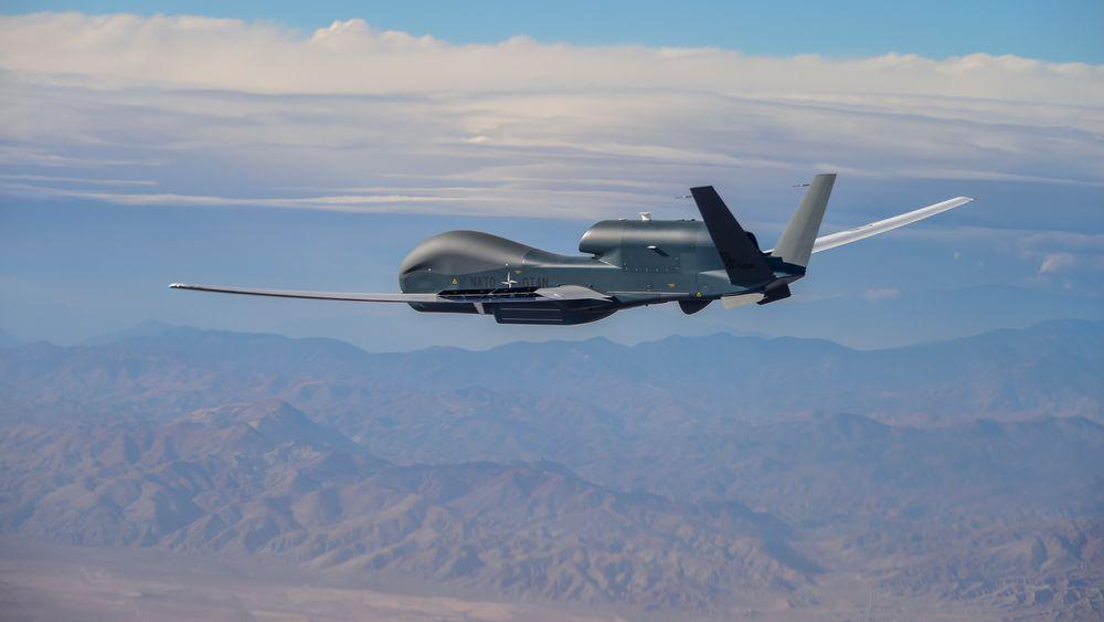Den femte RQ-4D Phoenix-dronen fløy fra California til Sicilia 11-12. november 2020.