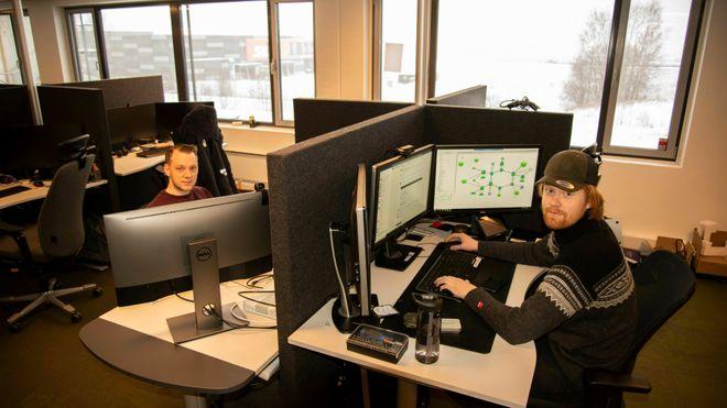 David Bråten og Jørgen Nørstelien, begge konsulenter i nettverksavdelingen til Ikomm.