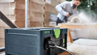 Festool sys powerstation batteri bærbart verktøy hytta bygge håndverker motek odd arve rygh