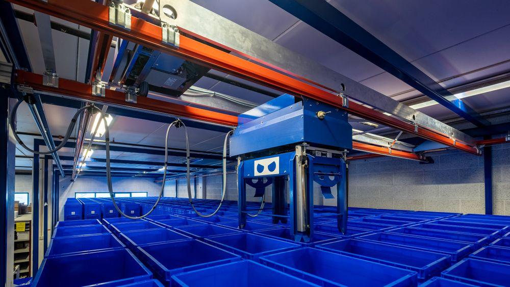 Blue Robot har laget et autonomt lager som kan håndtere inntil 2400 kasser