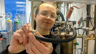 Trine Asklund Larssen har undersøkt hvordan ulike typer malm i metallproduksjonen påvirker energiforbruk og forurensning.