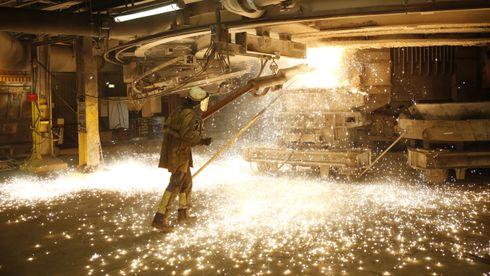 Norge har høy prosess-teknologisk kompetanse. Vi produser for eksempel silisium til solceller, kobolt til batterier, sink for hindring av rust og er verdensledende på framstilling og resirkulering av aluminium, skriver forfatterne.