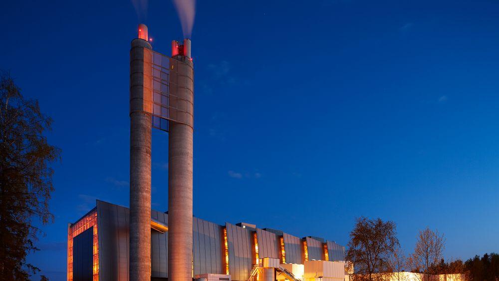 Forbrenningsanlegget på Klemetsrud i Oslo gir varme med avfall som kilde. Nå ser både energileverandører og forskere på hvordan man kan få ned turtemperaturen på vannet som distribuerer energien.