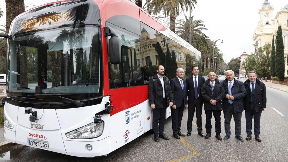Den 12 meter lange bussen med plass til 60 passasjerer ble nylig presentert i Malaga. Nå er den i drift.