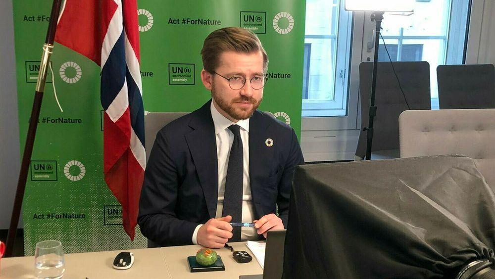 Klima- og miljøminister Sveinung Rotevatn var en av statsrådene som møtte fire EU-kommissærer for å diskutere EUs grønne giv. I likhet med møtet i FNS miljøforsamling nylig, ble møtet med EU-kommissærene avviklet via video.