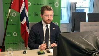 Klima- og miljøminister Sveinung Rotevatn var en av statsrådene som møtte fire EU-kommissærer for å diskutere EUs grønne giv. I likhet med møtet i FNS miljøforsamling nylig, ble møtet med EU-kommissærene avviklet via video. Arkivfoto: Klima- og miljødepartementet / NTB