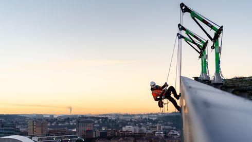 Høyden tilkomstteknikk fasade klatrere vedlikehold kurs sikkerhet hms fallsikring prosjektering høyhus ns 9600 ola rådgivning munch