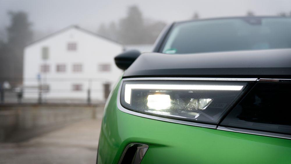 Opel-eier Stellantis satser på elektrifisering og melder at Opel blir rent elbilmerke i Europa fra 2028.