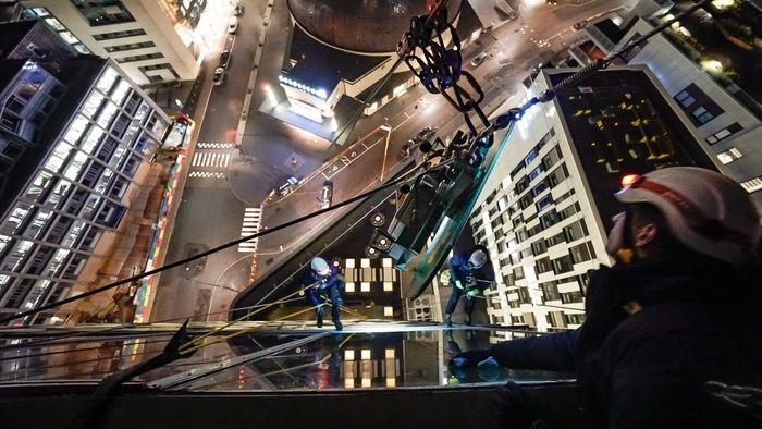 Høyden tilkomstteknikk fasade klatrere vedlikehold kurs sikkerhet hms fallsikring prosjektering høyhus ns 9600 9610 ola rådgivning munch entra
