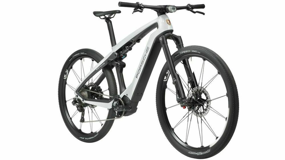 Porsche e-Bike Sport har integrerte løsninger og er designet ved Studio F. A. Porsche, Men hvor mye betaler man for logoen?