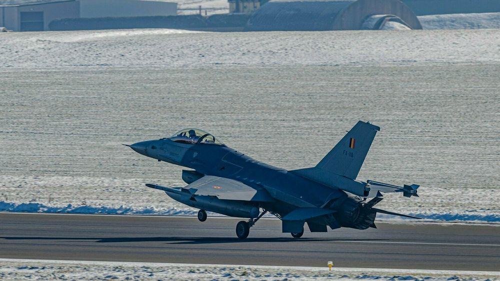 Dagen etter hendelsen den 11. februar delte det belgiske luftforsvaret bilder av F-16-flyet som fikk motorproblemer.