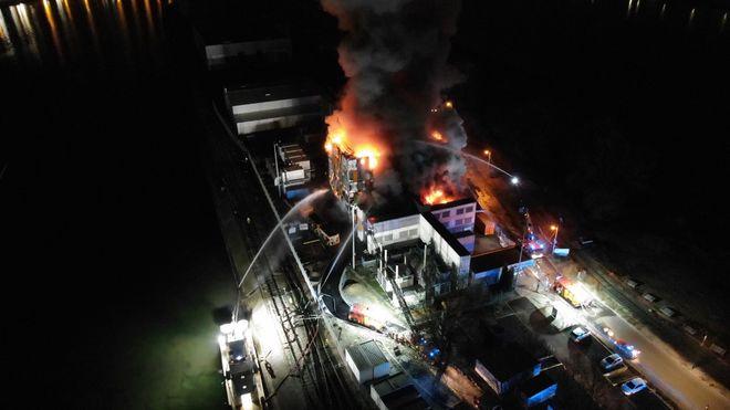 Et ukjent antall servere ble slukt av flammene da anlegget i Strasbourg brant natt til i dag.