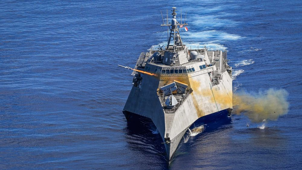 NSM skytes fra LCS-skipet USS «Gabrielle Giffords» i Filippinerhavet 1. oktober 2019.