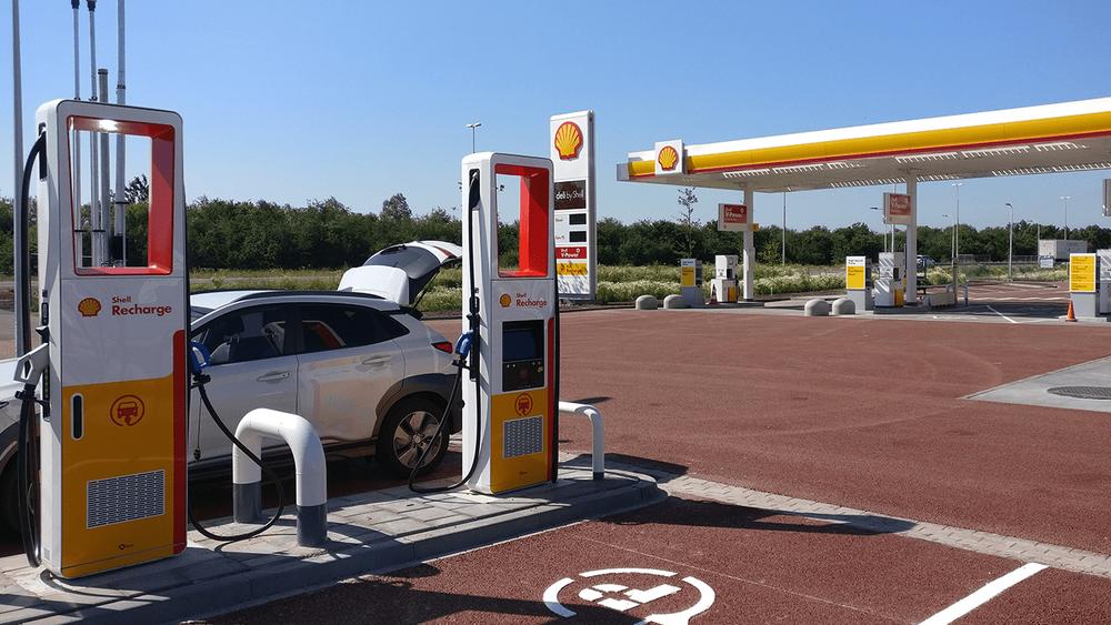 Shell har utviklet batteriløsningen i samarbeid med Alfen.