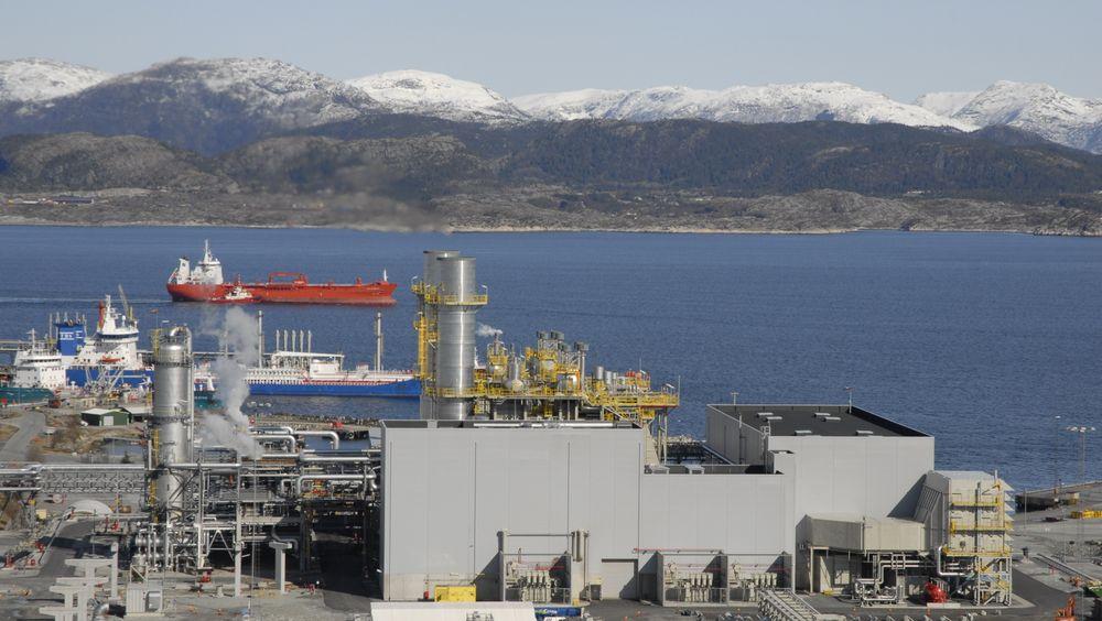 Gasskraftverket på Mongstad ble satt i drift i 2010, men har i mange år gått med store underskudd. Equinor har derfor fått tillatelse til å legge ned kraftverket. Det skal etter planen skje i løpet av 2021. FOTO: Øyvind Lie