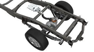 Nå presenterer kanadiske Magna en alternativ løsning – en elektrisk aksel beregnet for bare pickups. De kaller det Ebeam, og det handler om en solid aksel med en eller to elektriske motorer plassert i midten.