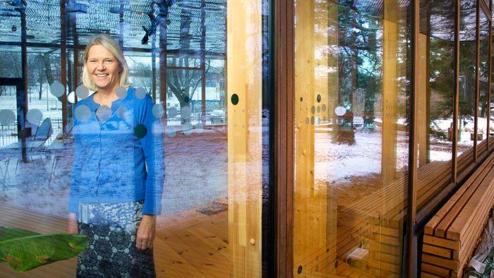 – Det er et godt hus å være i, sier daglig leder Brita Slettemark som selv er utdannet geolog fra UiO og har jobbet i Klima- og miljødepartementet i 25 år og seks år med klimarelaterte prosjekter i Norges forskningsråd.