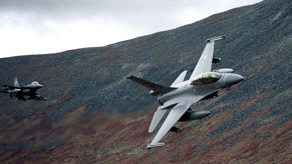 F-16 på Hjerkinn på den siste øvelsen sammen med Telemark bataljon før deployering til Kosovo i 1999.