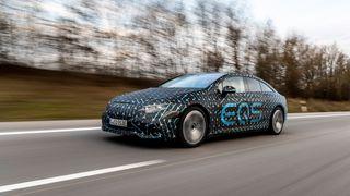 Se video: Digital testkjøring med Mercedes sin elektriske toppmodell EQS