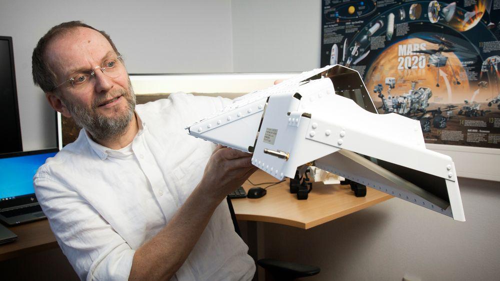 Morsomt: – At jeg har konstruert et instrument som nå jobber på Mars, er fantastisk spennende og et høydepunkt i min karriere. Vi var invitert til oppskytingen, men ble stoppet av pandemien. I november skal vi etter planen møtes hos JPL i California, sier Svein-Erik Hamran.