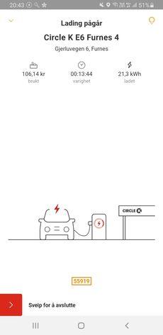 Se her – det er faktisk mulig å fortelle kunden hvor mye du har ladet for. Circle K hadde svaret. Riktignok bare i appen. Pris ved pumpa? Det er fossilt, det.