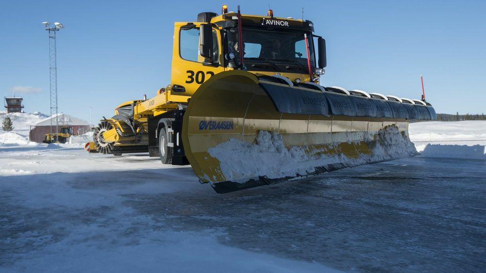 Oslo lufthavn skal brøytes med førerløse snøryddingsmaskiner.
