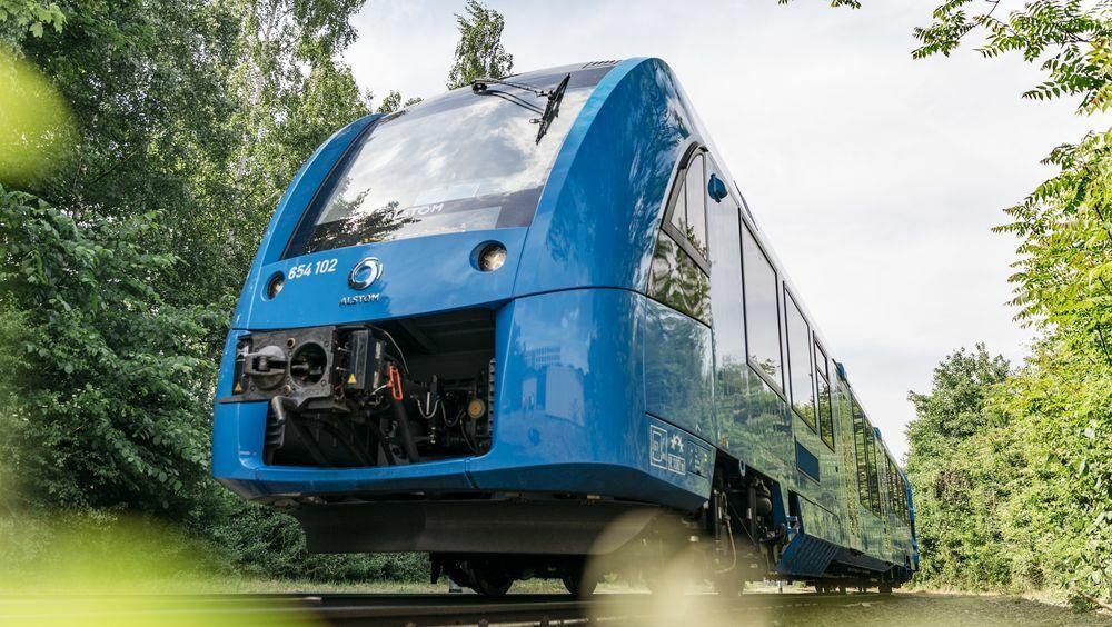 Frankrikes statlige jernbaneselskap SNCF har bestilt tolv hydrogentog fra franske Alstom.