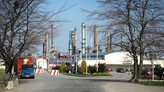 Esso legger ned sitt eneste norske raffineri. – Ingen olje etter juni