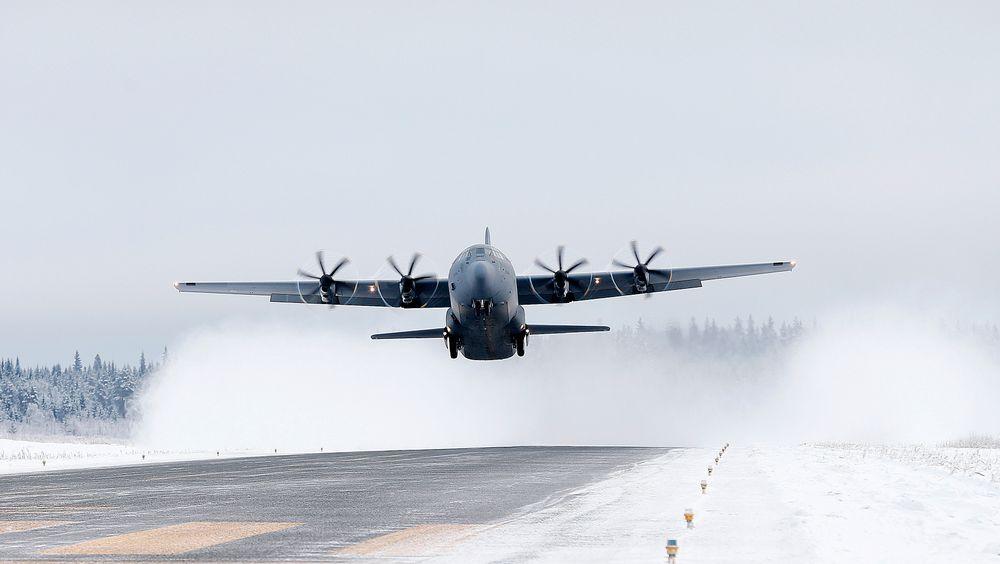 Et C-130J fra 335 skvadron tar av fra Rena i 2016.