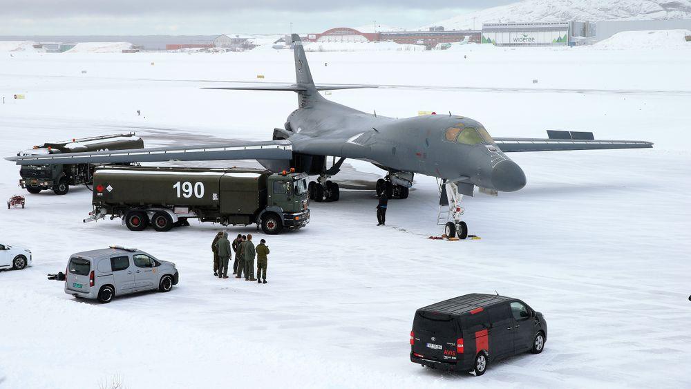 Et B-1B Lancer etter å ha landet på Bodø flystasjon for første gang, 8. mars.