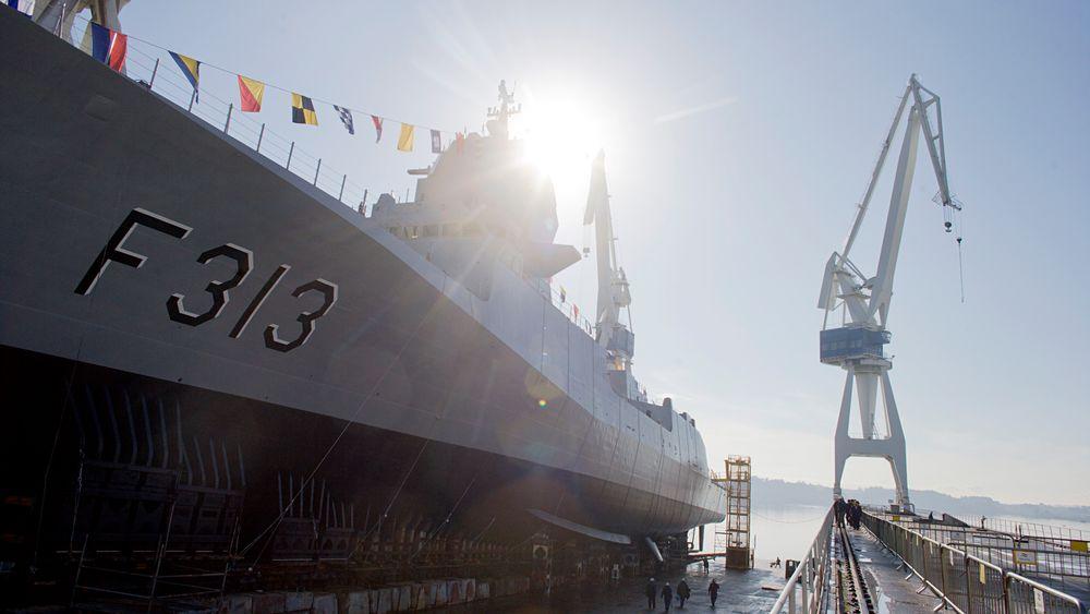 Fregatten KNM Helge Ingstad ved Navantias verft i Ferrol i Spania.