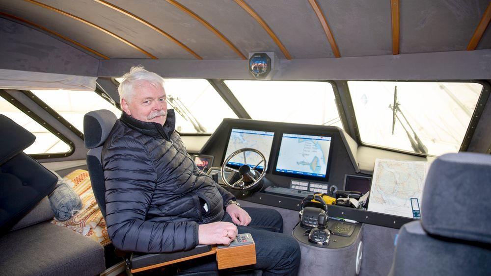 – Båten har vært hobbyen min de siste 10 årene, sier Steinar Wighus, som under byggeperioden ved Hydro Husnes bodde en hel vinter i båten sin, en 50 fots Scirocco. Den har han i stor utstrekning bygget og innredet selv