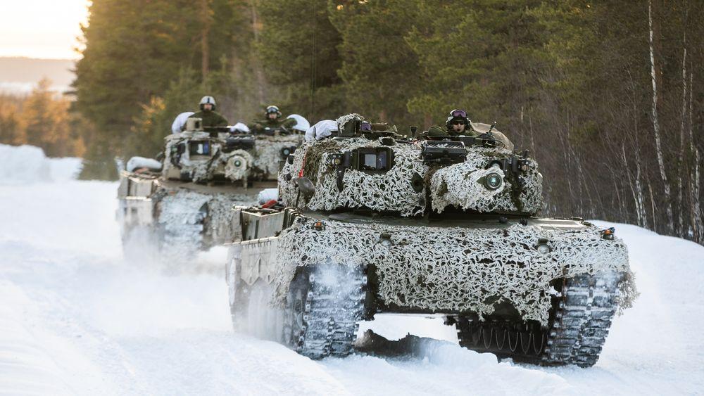 Leopard 2A4 på vinterøvelse på Rena i midten av mars 2021. Etter planen skal stridsvognen få en arvtaker om fire års tid.