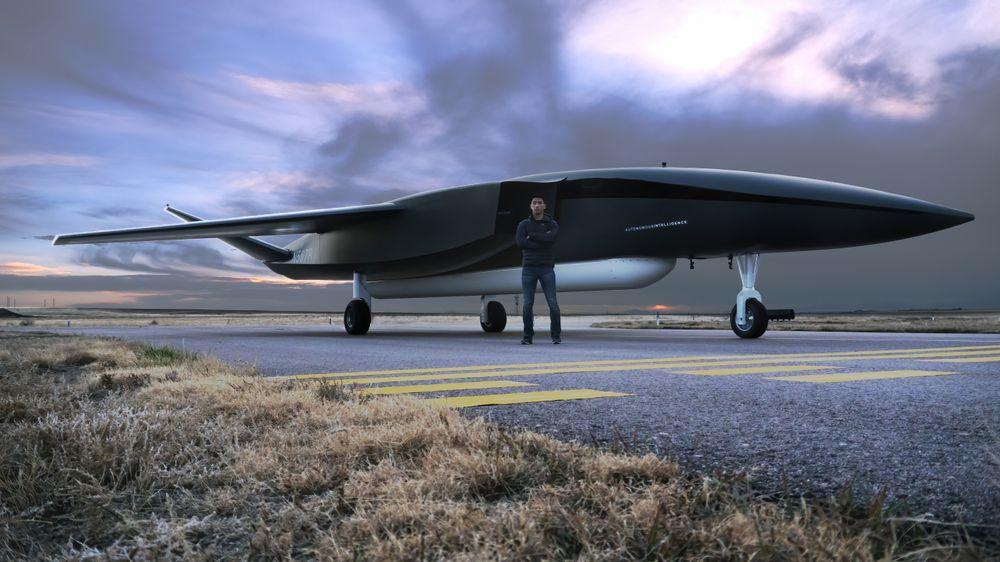 Aevums Ravn-X drone er verdens største og en av flere nye spillere på markedet som vil bruke fly eller droner til å sende raketter i rommet. Illustration: Aevum