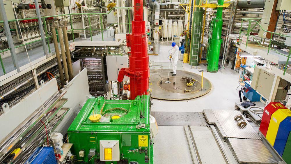 Økokrim vurderer fortsatt Ifes anmeldelse av forskningsjuks ved Haldenreaktoren.