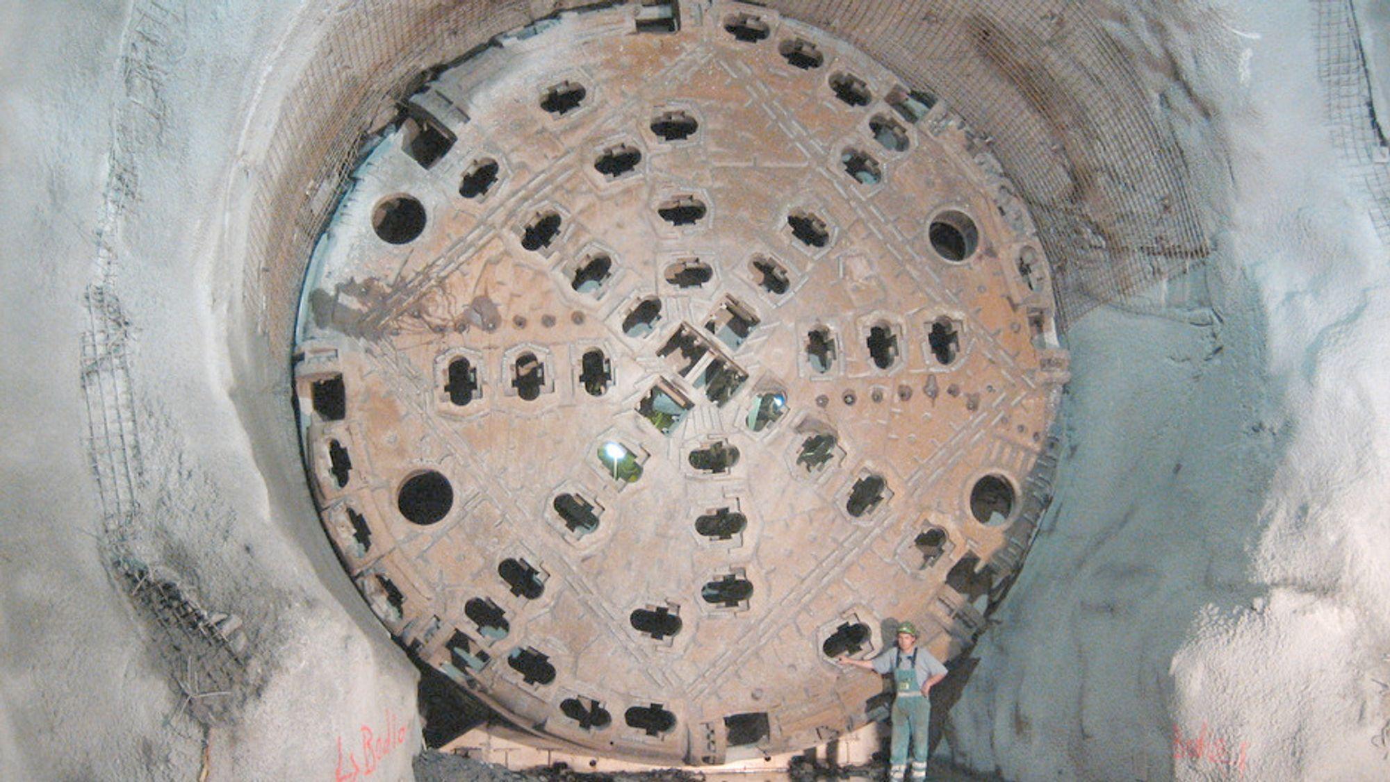 Tunnelboremaskinen Elektra (ikke avbildet) er foreløpig satt på pause mellom Danderyd og Hammarby Sjöstad. Tunnelstrekningen er en del av City Link, et prosjekt som skal knytte Stockholm sammen med et moderne høyspentnett.