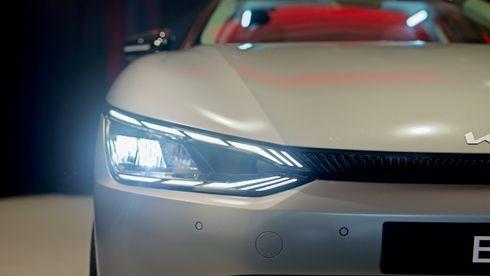 Kia EV6 er i Norge: 800 volt, firehjulstrekk og hengerfeste